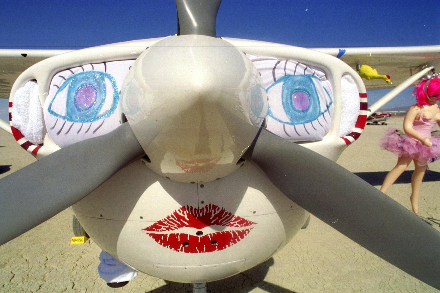 701c-Airplane_Art_at_Burningman